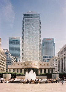 How much is office rent at One Canada Square